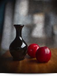 plums-vase-main